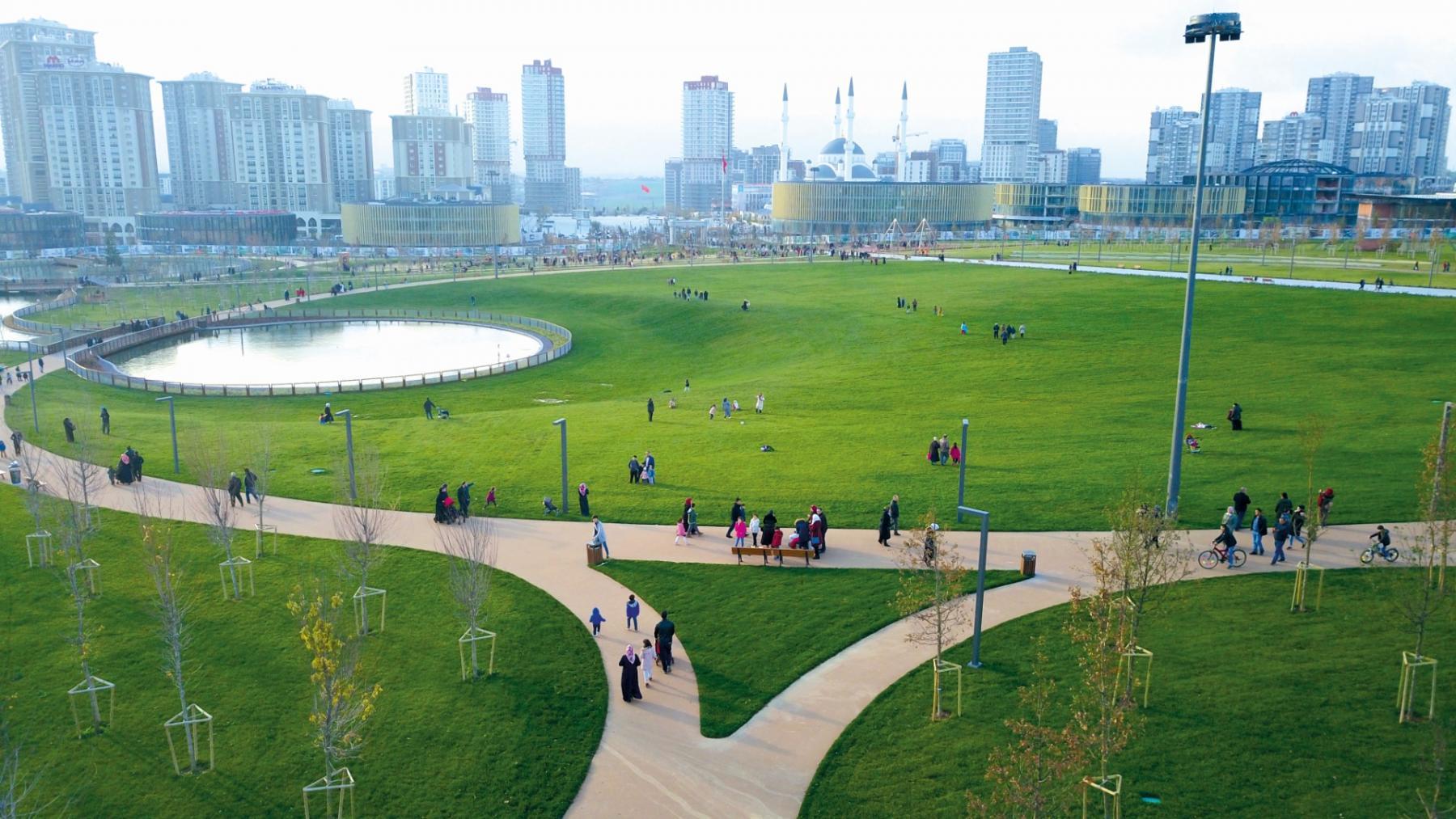 حديقة الشعب في باشاك شهير ... من أجمل الحدائق وأكبرها في أوروبا